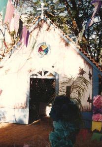 cenario pintado à mão para festa junina em escola infantil  - igreja -1992